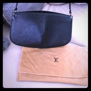 Louis Vuitton Epi black pouchette